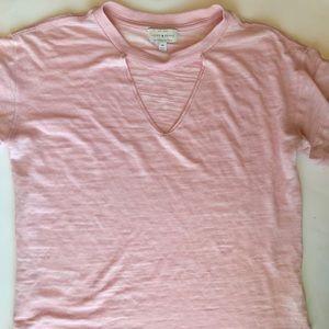 Lucky brand v-neck cutout T-shirt pink size M